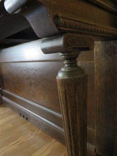Piano desk details